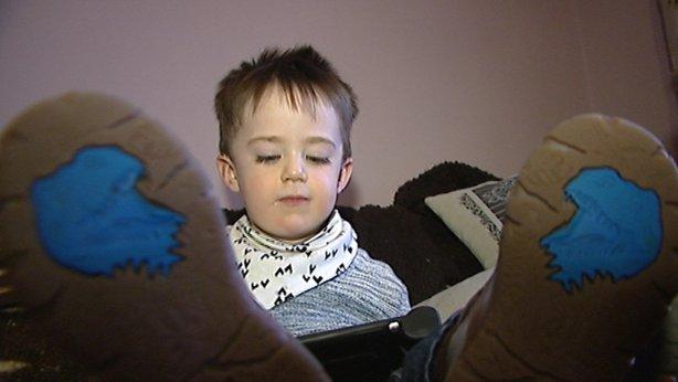 Две годишно дете получи първия лиценз за лечение с коноп в Ирландия