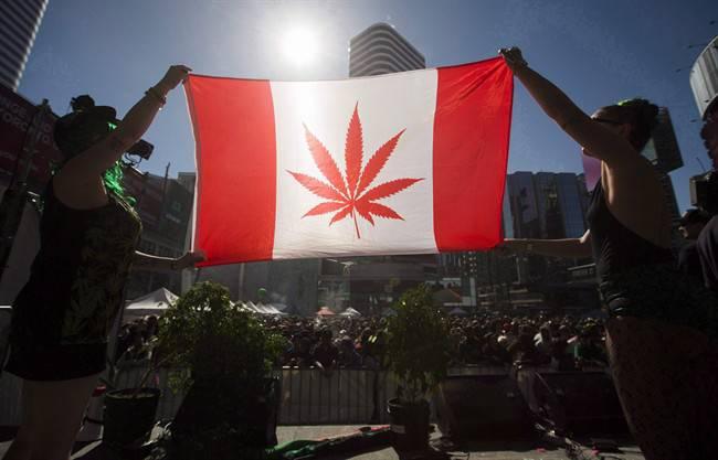 Канада официално легализира канабиса