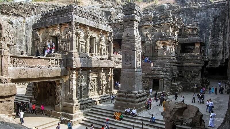 Коноп защитава над век и половина древен храм