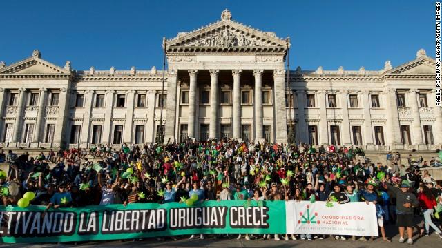 Аптеките в Уругвай вече продават канабис за развлекателни цели