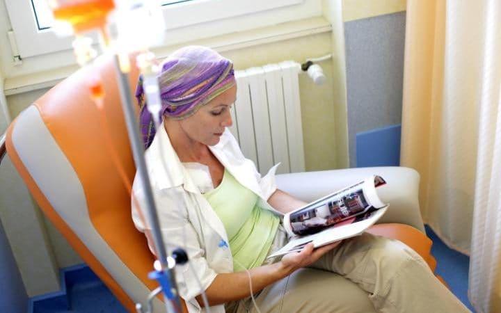Химиотерапията може да разпространи рака и да активира по-агресивни тумори, предупреждават учени