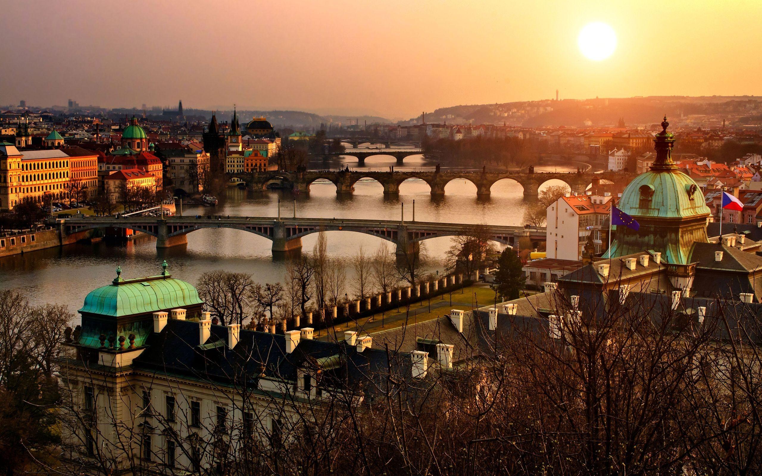 Хиляди в Прага на шествие за узаконяване на канабиса