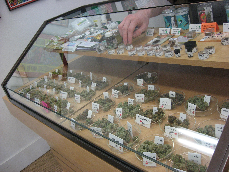 Аптеките в Мичиган се очаква да започнат да продават канабис според нов закон