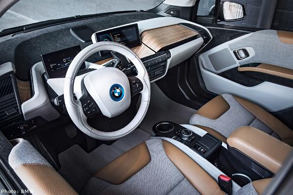 BMW използват коноп, за да олекотят автомобилите си