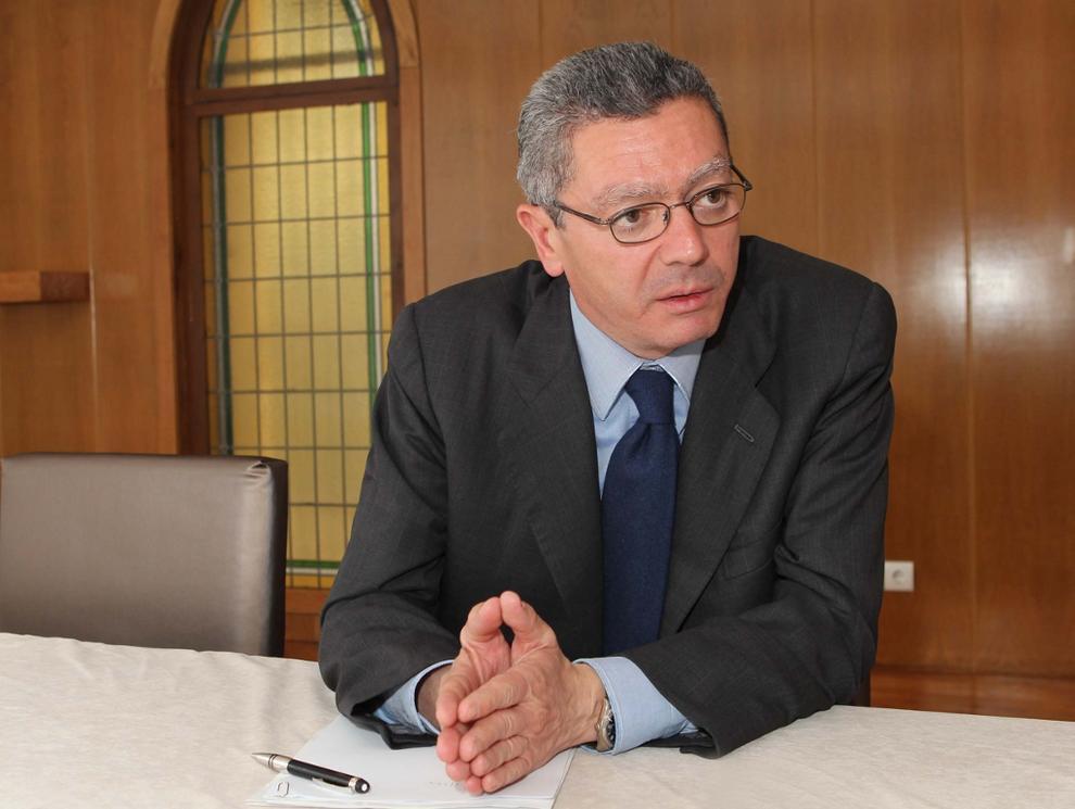 Испания - Алберто Руиз-Гайардон се обяви за откриването на дебат върху употребата на медицинска марихуана