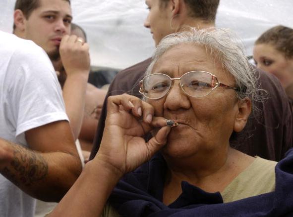 Не съществува връзка между употребата на канабис и рак на белите дробове