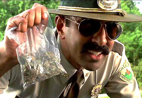 Полицията е принудена да върне над 27 килограма конфискуван Канабис от аптеките в Калифорния