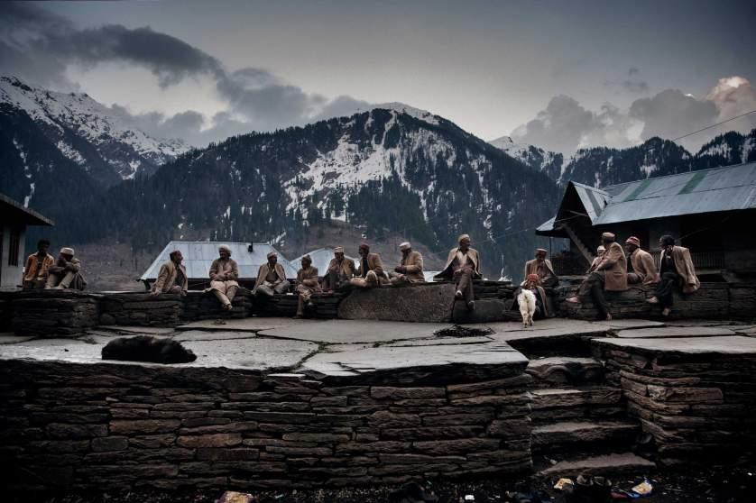 Разгледайте забранените конопени ферми на Хималаите