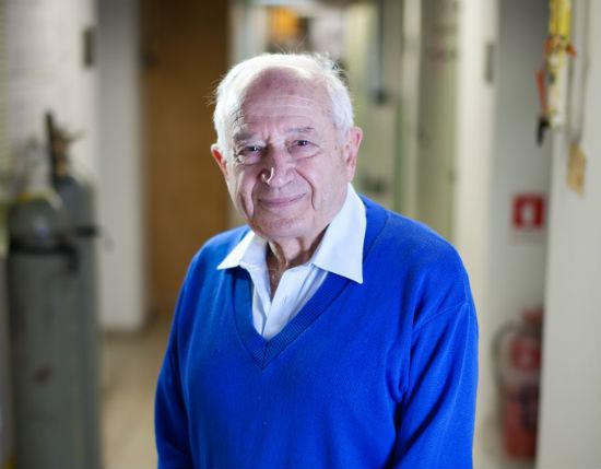 Роденият в България евреин, Рафаел Мешулам - човекът открил канабиноидите ТХК-тетрахидроканабинол и  КБД-канабидиол