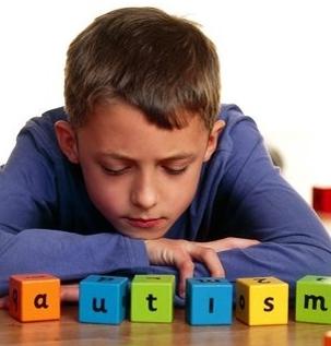 Родители, които лекуват своя син аутист с медицински канабис