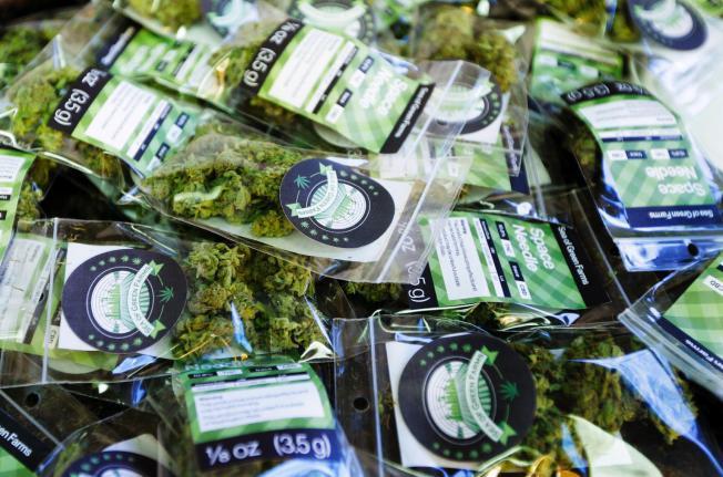 За 10 дни продажби на легален канабис, в хазната на Вашингтон влизат $318,000 от акцизи
